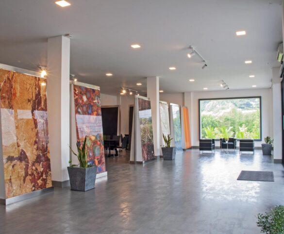 Sicer, amplia lo stabilimento indonesiano con l'inaugurazione di una nuova sala mostra.